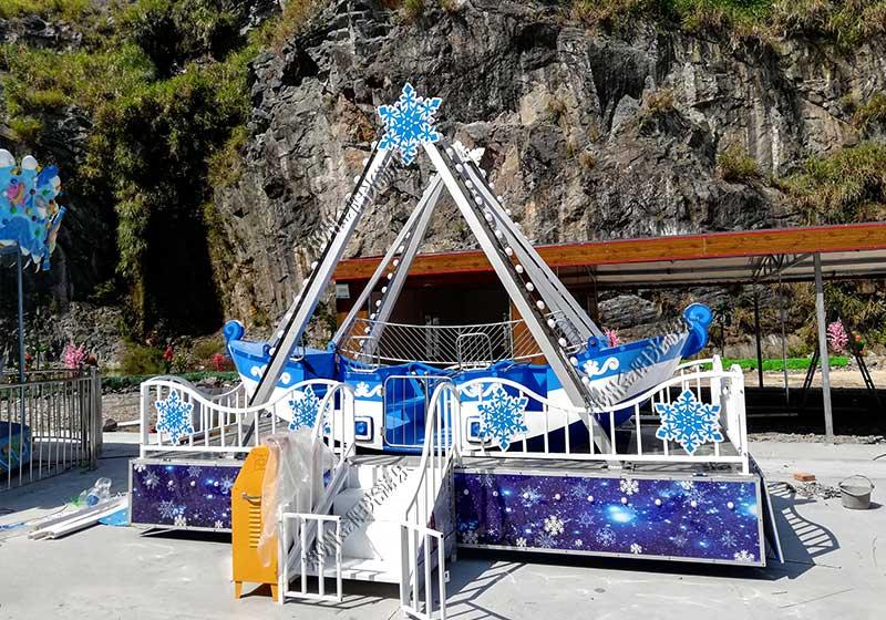 游乐园海盗船