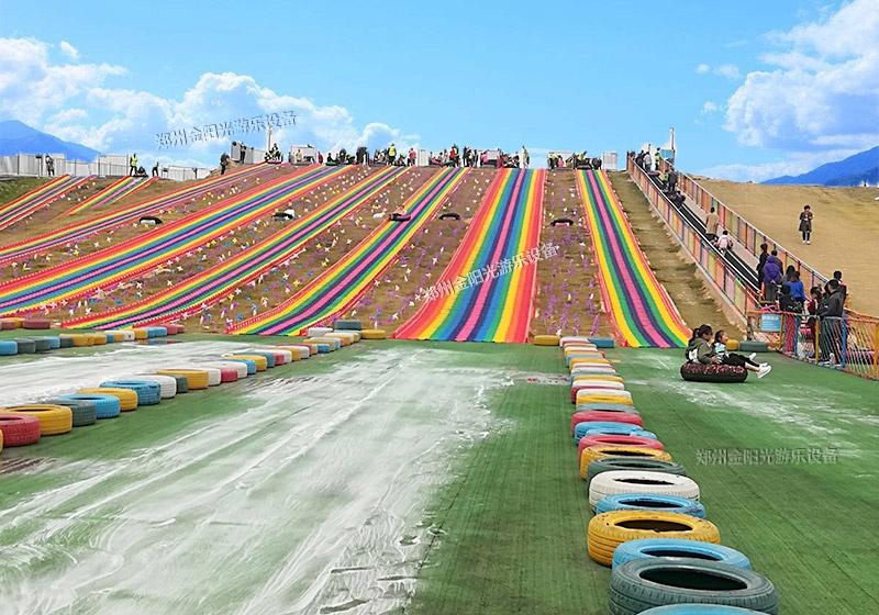 彩虹旱雪滑道厂家实拍图